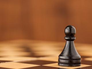 обои Шахматная фигура на доске фото