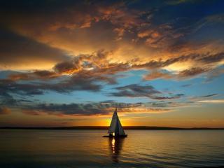 обои Озеро,   яхта и закат фото