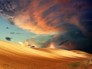 обои Небо над холмами пустыни фото
