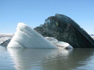 обои Черный айсберг,   Аляска фото