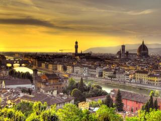 обои Вид на большoй город с мостами и рекой фото