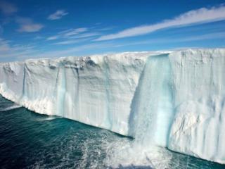 обои Ледниковый водопад,   Шпицберген фото
