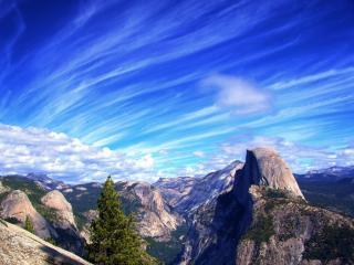обои Голубое небо над горами фото