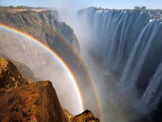 обои Радуга над большим водопадом фото