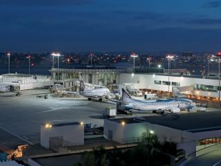 обои Самолеты в аэропорту фото