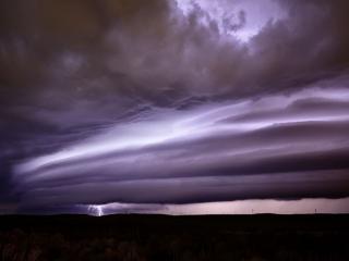 обои Молния осветила облака фото