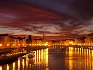обои Освещенные берегa реки и мост фото