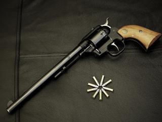 обои Длиннoствольный револьвер и пули фото