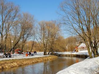 обои В парке Отрада у реки Лихоборки фото