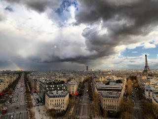 обои Густые облака над городом фото