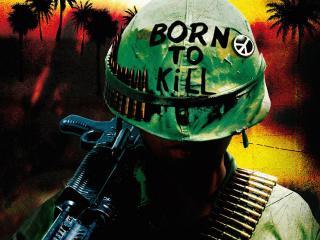 обои Каска с надписью и пулями у солдата фото