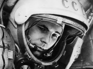 обои Первый космонавт Гагарин фото