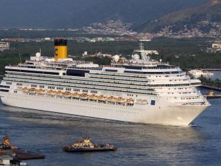 обои Большой лайнер у порта фото