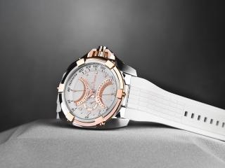 обои Белые часы Jack Pierre с золотистыми вставками фото