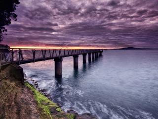 обои для рабочего стола: Узкий мост ведущий к островy