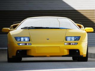 обои Желтый Ламборджини вид спереди фото