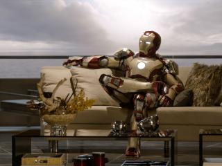обои Робот на диване фото
