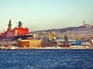 обои Корабль в Мурманском порту фото