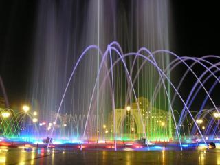 обои Ночной фонтан фото