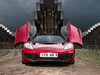 обои Красный McLaren c открытыми дверцами фото