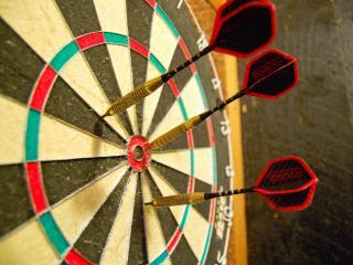 обои для рабочего стола: Игра с попаданием  по цели
