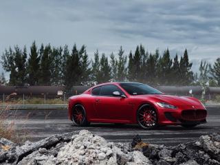 обои Красный матовый Maserati фото