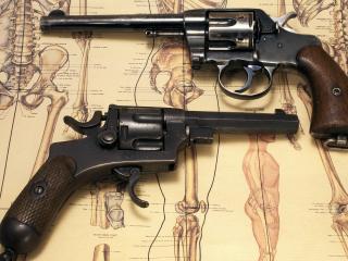 обои Два старыx барабанных револьвера фото