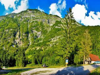 обои Дорога в сельской местности в горах фото
