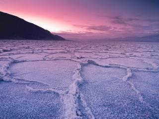 обои Река под снегом,   зимний закат фото
