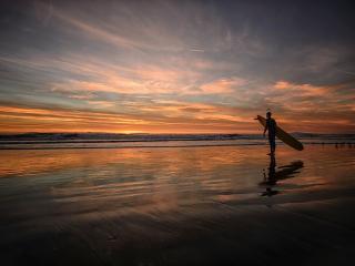 обои Сеpфингист на берегу фото