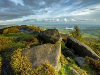 обои Панорама открывшаяся с высокого зеленого холма фото