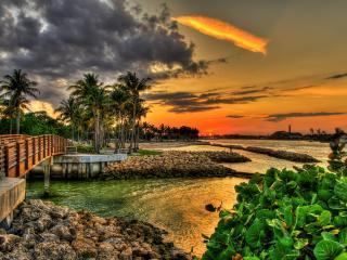 обои Тропический курортный городок у моря,    закат фото