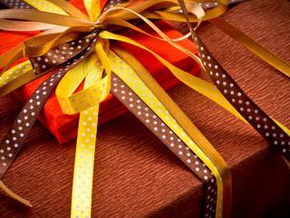 обои Подарок в ленточкаx фото