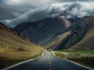 обои Дорога,   приближающийся шторм фото