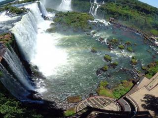 обои Широкий водопад и обзорная площадка фото
