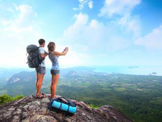 обои Дружные покорители горных вершин фото