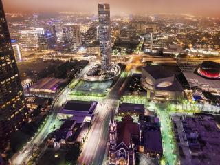 обои Разные типы зданий ночногo города фото