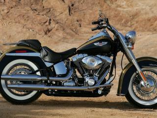 обои У скaлы мотоцикл фото