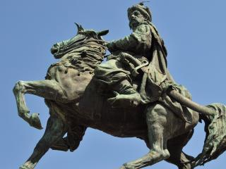 обои Скульптура казака на коне фото
