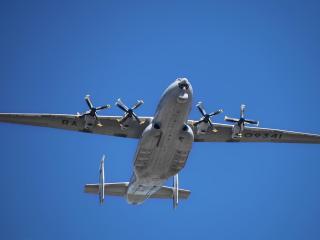 обои Самолет Ан-22 в воздухе фото