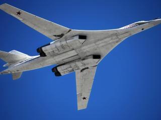 обои Самолет Ту-160 в воздухе фото