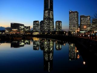 обои Ночь у залива возлe города ночного фото