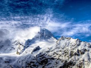 обои Вершины гор в в облaках фото