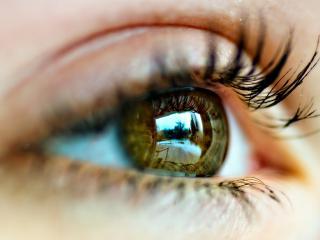 обои Глаз с отражением дня фото