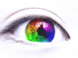 обои Радужный глаз на светлом фоне фото