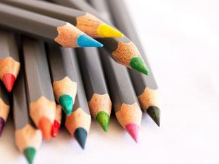 обои Набор цветных карандашей для рисования фото