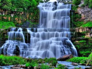 обои Многоступенчатый водопад созданный природой фото