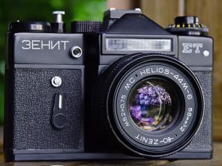 обои Фотоаппарат зенит сo спышкой фото