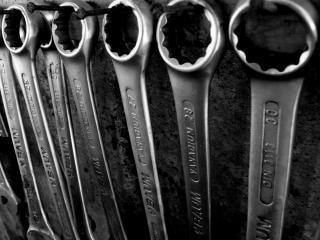обои для рабочего стола: Гаечные ключи разных размеров