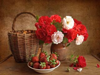 обои Натюрморт - Цветы,   клубника и корзинка фото